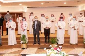 الهيئة الملكية بينبع تمنح جائزة التميز في سلامة الأغذية لمطاعم مدينة ينبع الصناعية