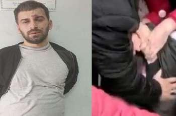 القبض علی شخص یقتحم مسجدا و یطعن خمسة مصلین داخل المسجد فی ألبانیا