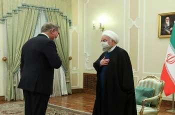 وزیر خارجیة باکستان شاہ محمود قریشي یجتمع برئیس ایران حسن روحاني