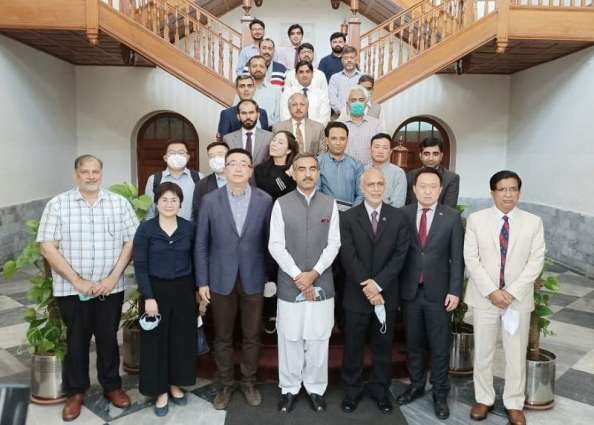 Chinese business delegation discusses collaboration with UVAS