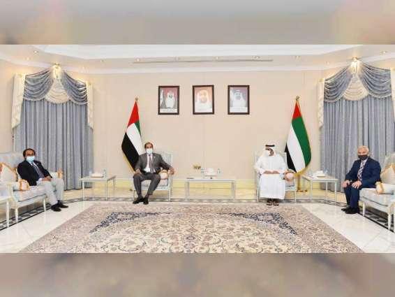 غرفة أبوظبي تبحث  التعاون التجاري والاستثماري مع مجلس الأعمال الباكستاني