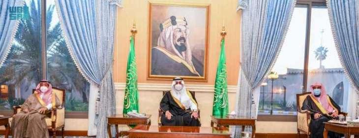 سمو أمير تبوك يستقبل المهنئين بشهر رمضان المبارك