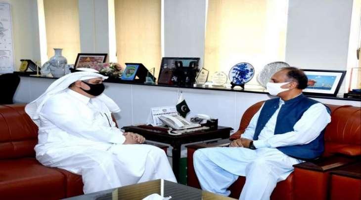 وزیر الطاقة و البترول عمر أیوب خان یجتمع بسفیر السعودیة لدی اسلام آباد