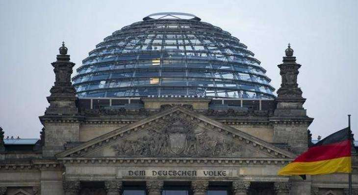 Bundestag Approves Tightening of Coronavirus Lockdown Amid Protests in Berlin
