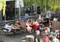Austrians Savor First Day of Eating Out After Long Lockdown