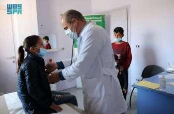 فريق مركز الملك سلمان للإغاثة يتفقد مركز عرسال في لبنان للرعاية الصحية الأولية