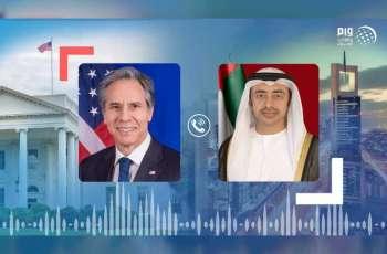 عبدالله بن زايد ووزير الخارجية الأمريكي يبحثان هاتفيا العلاقات الاستراتيجية والتطورات في إسرائيل و فلسطين