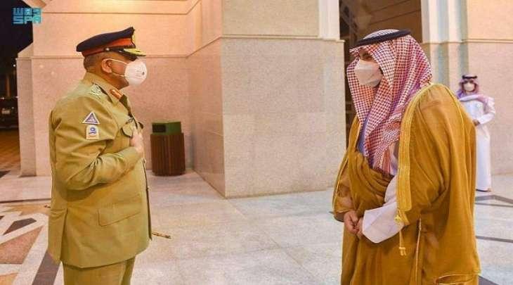 وزیر الدفاع السعودي یستقبل قائد أرکان الجیش الباکستاني الجنرال قمر جاوید باجوا