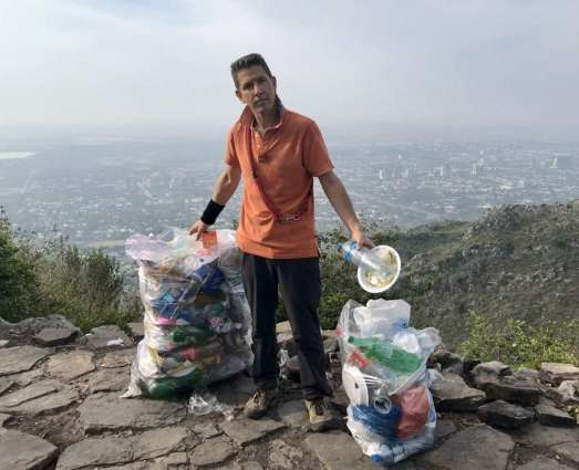 British ambassador collects garbage from Margalla Hills