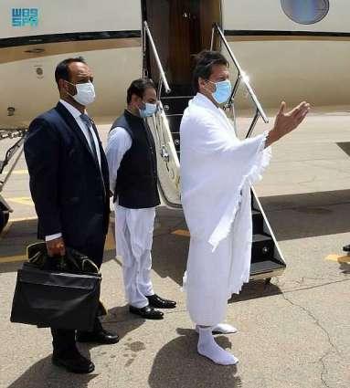 دولة رئيس وزراء جمهورية باكستان الإسلامية يغادر المدينة المنورة