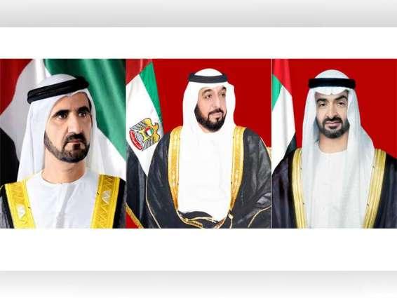 رئيس الدولة ونائبه ومحمد بن زايد يهنئون ملك الأردن بذكرى استقلال بلاده