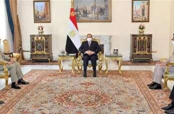 رئیس جمھوریة مصر یستقبل رئیس ھیئة الأرکان المشترکة للقوات الباکستانیة الفریق أول ندیم رضا