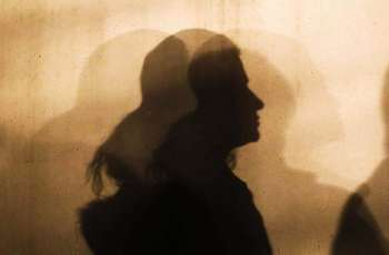 Girl cuts man's throat off over blackmailing in Kabir Wala