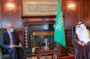 سفیر باکستان لدی السعودیة بلال أکبر یجتمع بأمیر منطقة تبوک