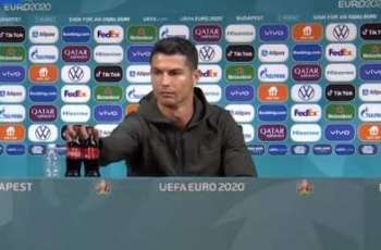 Christiano Ronaldo doesn't seem fan of Coca Cola