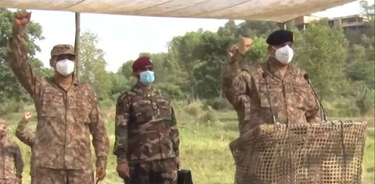 COAS visits Sialkot, Kotli, witnesses troops' exercises