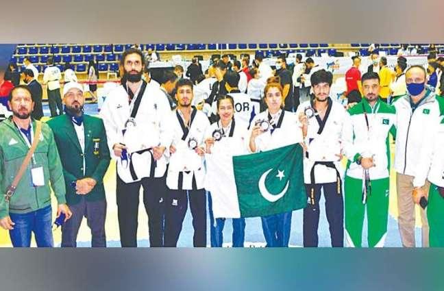 Pakistani Taekwondos get silver medals at Asian Championship