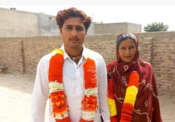 Breaking stereotypes: 21-year old man gets married with 40-year old divorced-woman