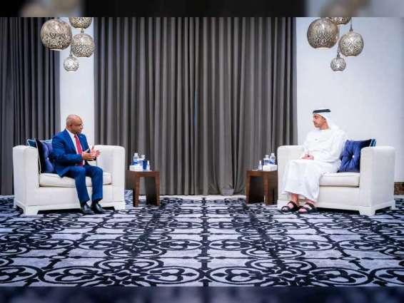 عبدالله بن زايد يستقبل وزير خارجية المالديف