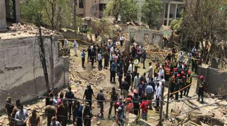 مقتل 3 أشخاص و اصابة 21 آخرین اثر تفجیر فی مدینة لاہور