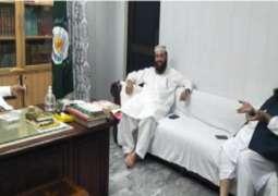 رئیس مجلس علماء باکستان یجتمع برئیس جامعة الأشرفیة بمدینة لاہور