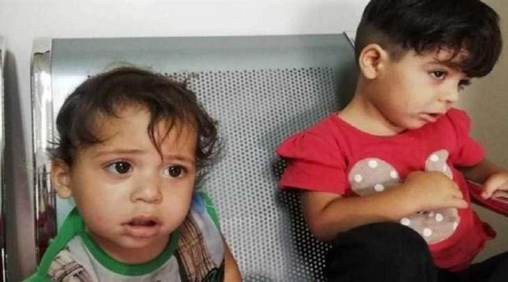 أب سوري یترک طفلتیہ فی المستشفی و یھرب بسبب الفقر