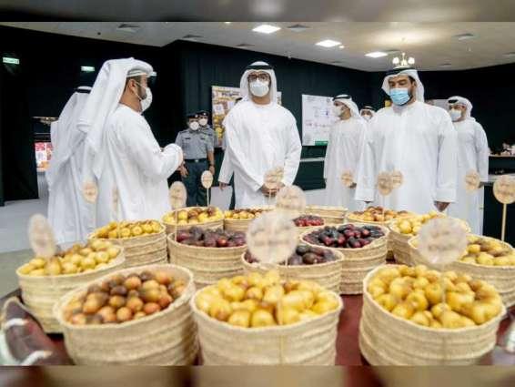 سلطان بن حمدان بن زايد يزور مهرجان ليوا للرطب