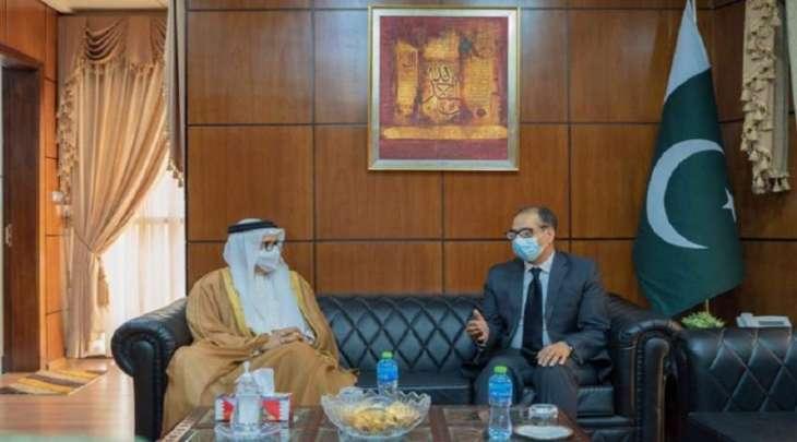سفیر باکستان لدي مملکة البحرین یجتمع وزیر الخارجیة البحریني الدکتور عبداللطیف بن راشد الزیاني