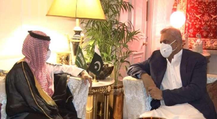 رئیس أرکان الجیش الباکستاني یجتمع مع وزیر خارجیة السعودیة الأمیر فیصل بن فرحان