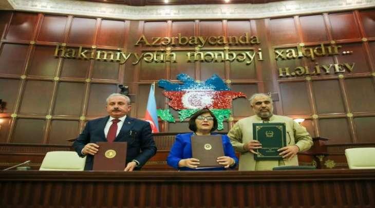 رئیس البرلمان الباکستاني یشارک فی الاجتماع الثاني بین روٴساء برلمانات في العاصمة الأزربیجانیة