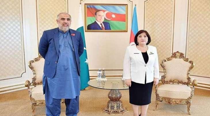 رئیس البرلمان الباکستاني یجتمع مع رئیسة البرلمان الأذربیجاني صاحبة علي غافاروفا
