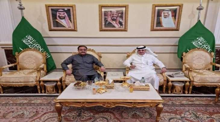 رئیس حکومة اقلیم البنجاب یجتمع مع سفیرالسعودیة لدي اسلام آباد