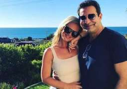 Shaniera counts down every day to reunite with husband