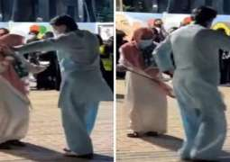 شاھد : باکستاني مقیم فی السعودیة یرقص فی حفل بمناسبة الیوم الوطني للمملکة