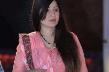 Umer Sharif 's wife pledges full support till her husband gets better