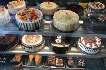 Hyderabad's famous Bombay Cake is now available in Karachi. Colorful inauguration of the fourth branch of