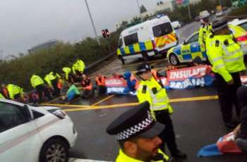 UK Climate Protesters Defy Court Order to Block Highway Around London