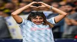 شاھد فیدیو : سقوط موظفة أمن استاد ذی سویس خلال مباراة بتسدیدة رونالدو