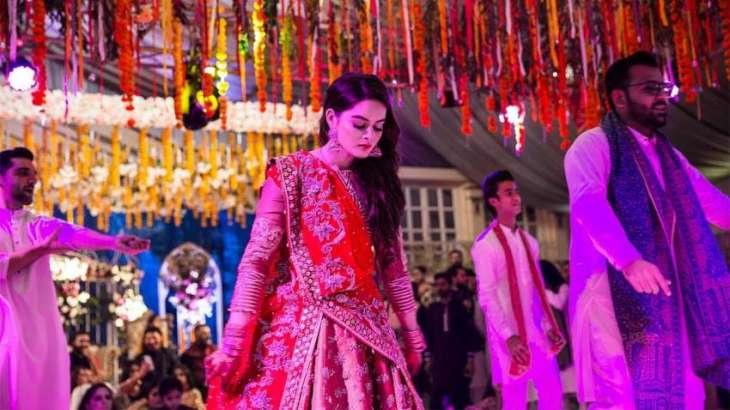 Minal Khan enjoys every moment of her wedding festivities