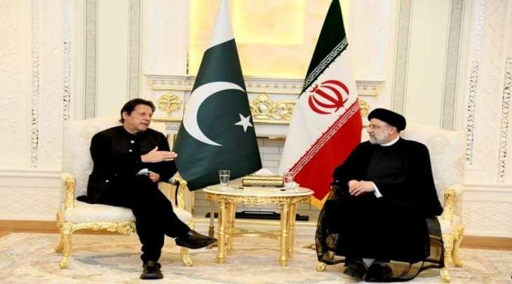 رئیس وزراء باکستان عمران خان یجتمع برئیس ایران علی ھامش قمة منظمة شنغھاي للتعاون بطاجیکستان