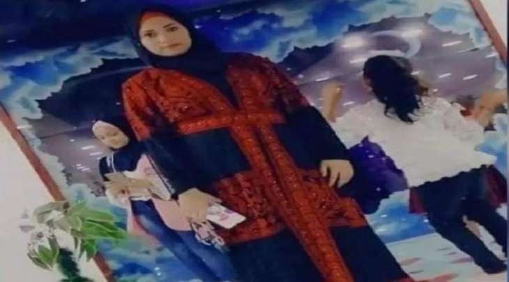 زوج أردني یقتل زوجتہ بسکب البنزین علیھا أمام أطفالھا