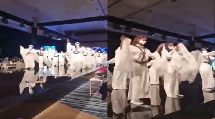 شاھد : رقص فتیات سعودیات احتفالا بالیوم الوطني للمملکة