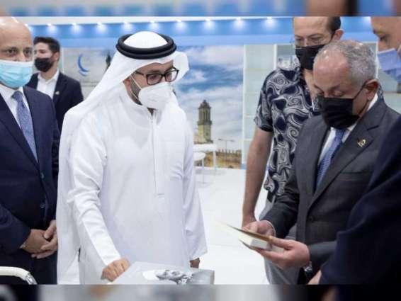 وزير الثقافة الأردني يزور جناح مجلس حكماء المسلمين بمعرض عمان الدولي للكتاب