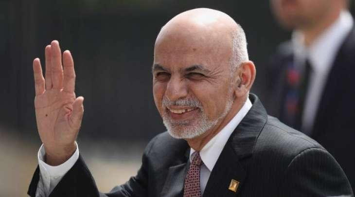 الحکومة الأفغانیة الجدیدة تطالب من أشرف غني اعادة أموال الدولة أخذھا معہ الی الامارات