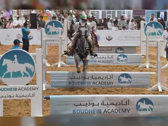 """فعاليات تراثية في """"أبوظبي الدولي للصيد والفروسية"""" احتفاء بعام الخمسين"""