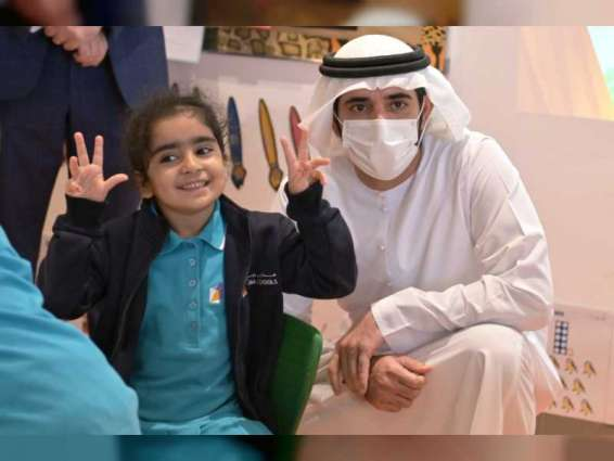 Hamadan bin Mohammed reviews the progress of the Dubai Schools project