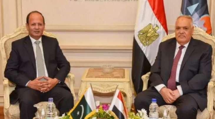رئیس الھیئة العربیة للتصنیع بمصر یستقبل سفیر باکستان لدی القاھرة