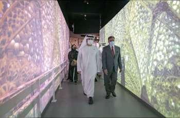 مكتوم بن محمد يطلع على ابتكارات الهند وباكستان وسنغافورة ومظاهر احتفائها بثقافاتها وإنجازاتها الحضارية المتنوعة في إكسبو 2020