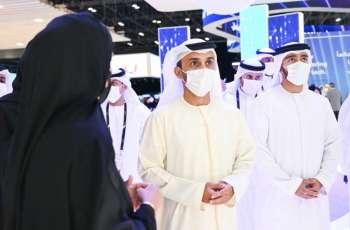 أحمد بن حميد النعيمي يزور منصة حكومة عجمان في جيتكس