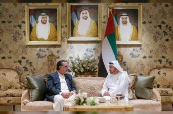 حمدان بن زايد يستقبل حاكم إقليم السند